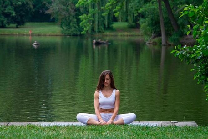 Yoga, Yoga Lö, Lena Lö, Elena López