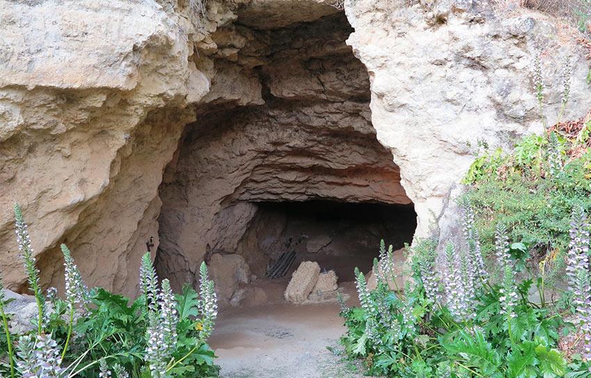 2.4.4.3-entrada-cueva