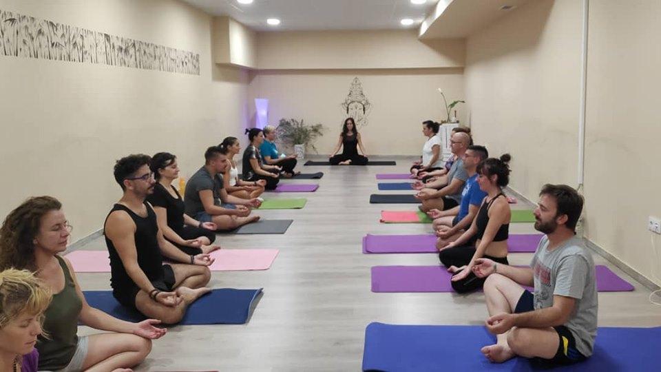 empieza a practicar yoga